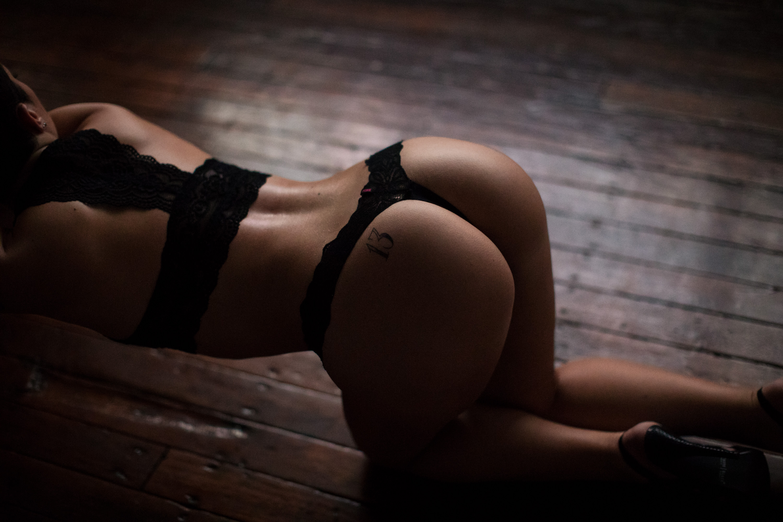 butt booty boudoir